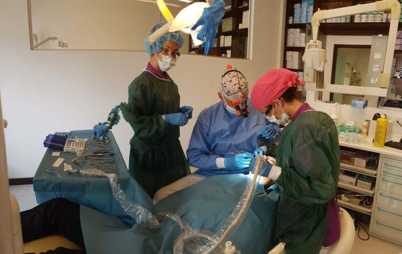 chirurgia parodontale genova
